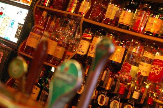 Eugene's Bar: 1