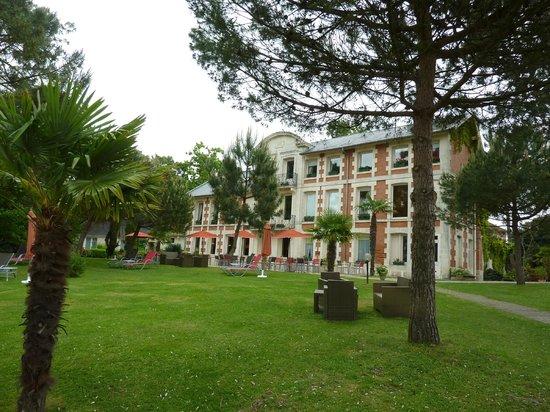 Hôtel Residence de Rohan : Vue arrière de l'hôtel