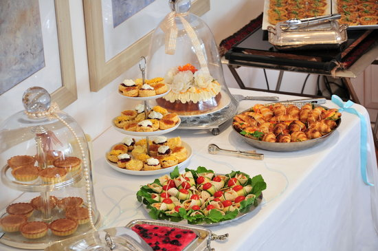 Cape Pillars Boutique Hotel: High Tea Snacks