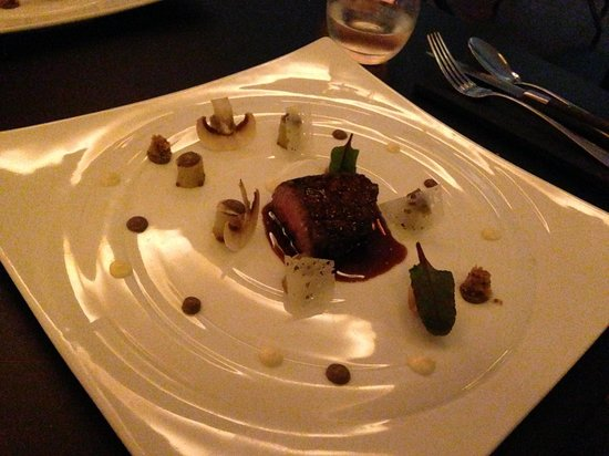 Hytra: Very nice beef with cep's sauce