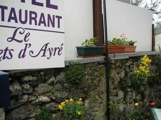 Hotel les Castets d'Ayré: terrasse  fleuris
