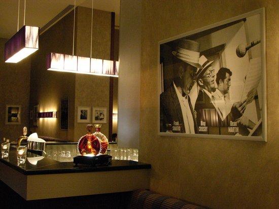 Polonia Palace Hotel: Bojangles Bar & Lounge