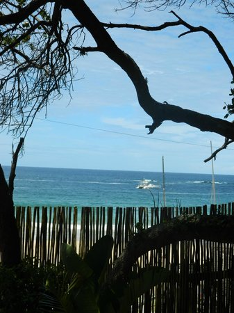 Backpackers Beach House Lodge: what a location