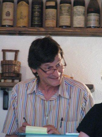 La Vecchia Osteria: Our host, the wonderful Enzo