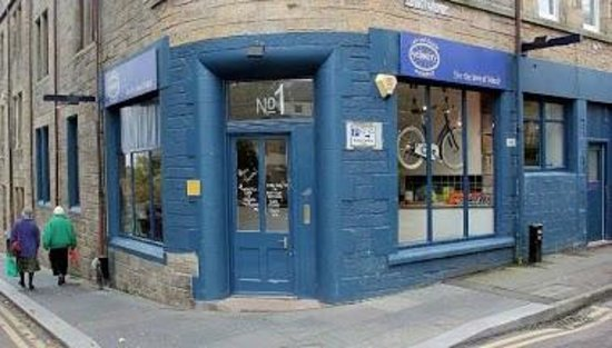 Velocity Cafe & Bicycle Workshop : at the top of the brae, and on cycle route 1!