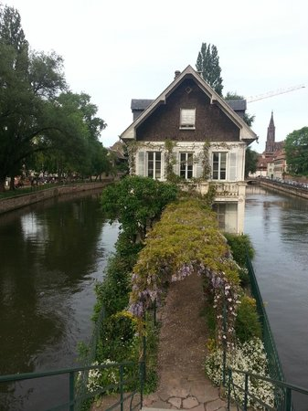 La Petite France : Lovely house with acces from the bridge