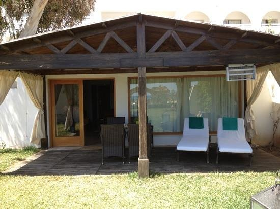 The Orangers Beach Resort & Bungalows: Super Bungalow