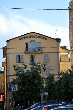 Art Hotel Novecento: Ikke til at tage fejl af fra Piazza Maggiore