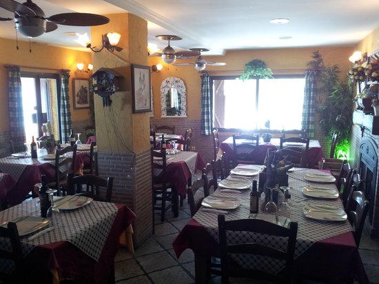 Restaurante Titoyayo: comedor. acogedor.