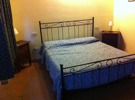 Casolare di Remignoli B&B: Il letto, comodissimo!