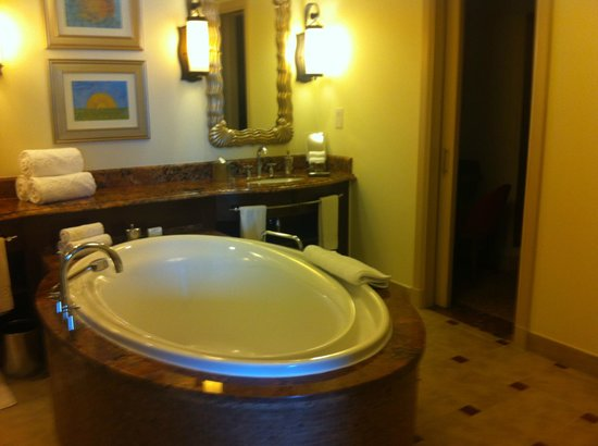 Atlantis, The Palm: terrace suite bathroom