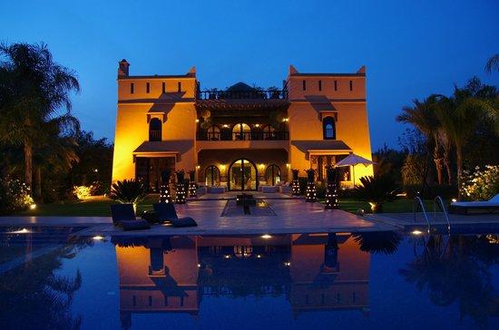 Villa Malika Silvana : Vista Villa nuit