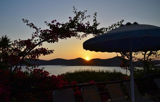Elounda Heights Apartments and Studios: View from the pool - early morning