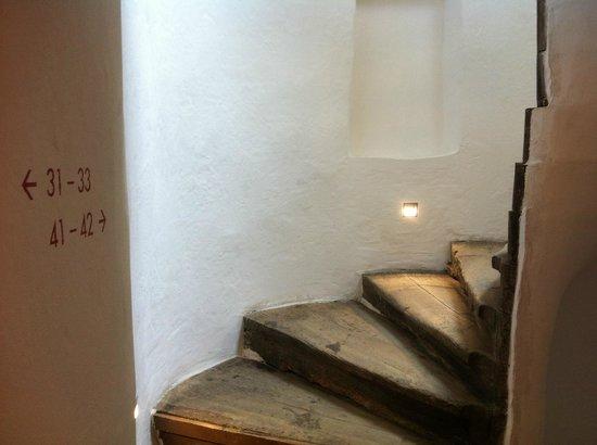 Hotel Roter Ochsen : Uraltes Treppenhaus sanft renoviert
