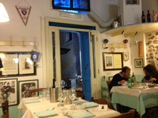 Taverna Portosalvo: Un lato della taverna