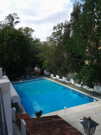 Balneario de Chulilla: outdoor swimming pool