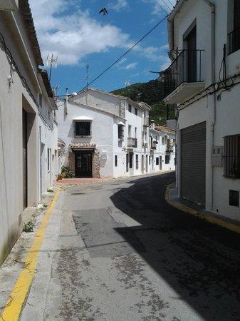 Balneario de Chulilla: typical street of Chulilla
