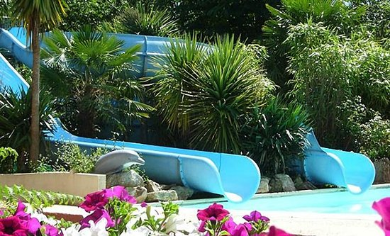 Yelloh Village Port de Plaisance: Slides at Pool