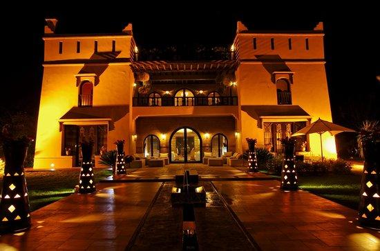 Villa Malika Silvana : Villa nuit