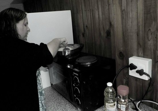Tree House River Lodge : Cooking in our kitchen