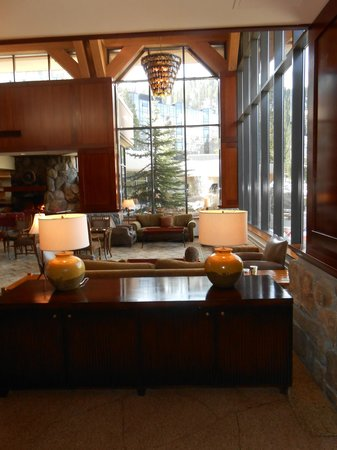 Resort at Squaw Creek: lobby/lounge/chess sets
