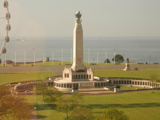 Holiday Inn Plymouth: View from Dining Room of Plymouth Hoe
