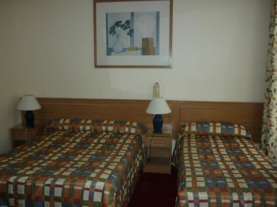 Hotel de Suez : letti