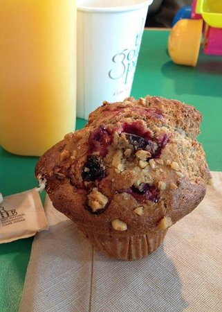 Golden Pear Cafe: cranberry and walnut