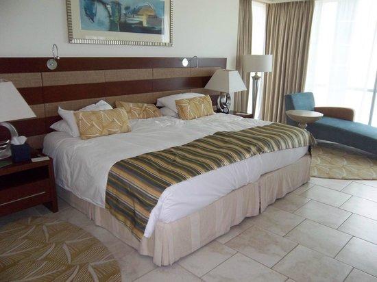 JA Oasis Beach Tower: Master bedroom
