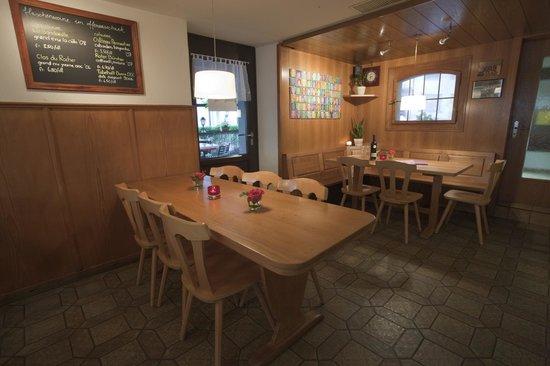 Gaststube Restaurant Bahnhöfli