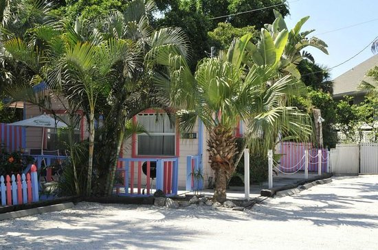 """Captiva Island Inn Bed & Breakfast: """"Mimosa"""": Cottage next to ours."""