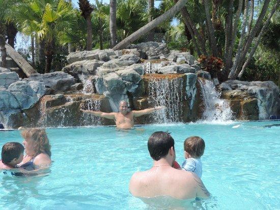 International Palms Resort & Conference Center: Área de piscina/praia
