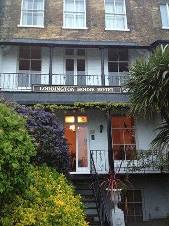 로딩톤 하우스 호텔