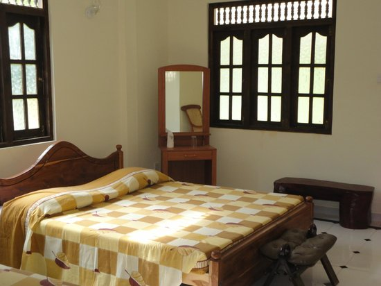 Wadula Hotel & Restaurant: Spacious Bedrooms,Very comfortable