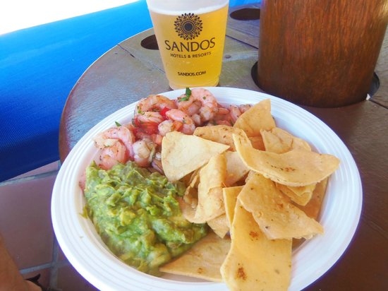 Sandos Playacar Beach Resort: Shrimp ceviche by adult pool