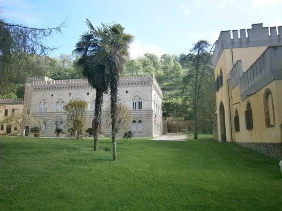 Castello di Lispida: La Dimora del Re e la Torretta