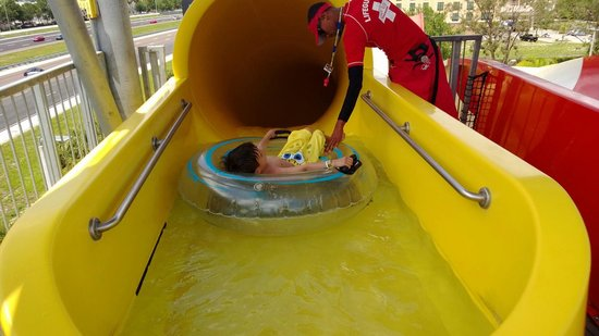 Coco Key Hotel and Water Park Resort: Slide
