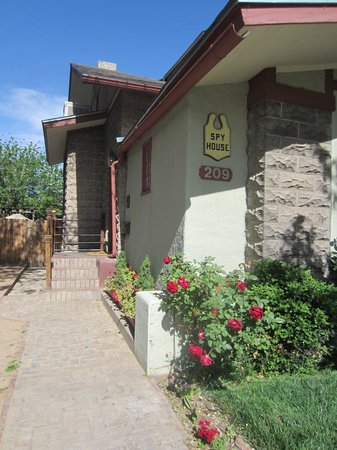 Downtown Historic Bed & Breakfasts of Albuquerque: Welcome to the Spy House