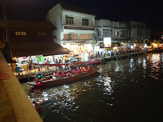 amphawa evening floating market - Picture of Thai Private