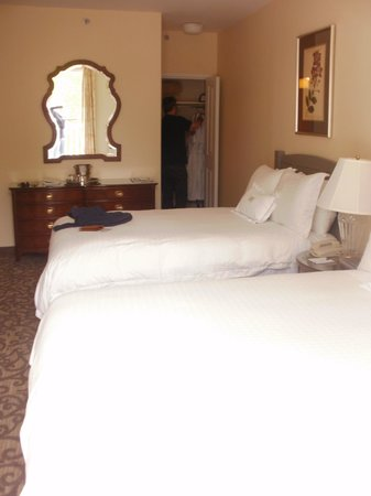 Windermere House Resort & Hotel: room 219 with large balcony