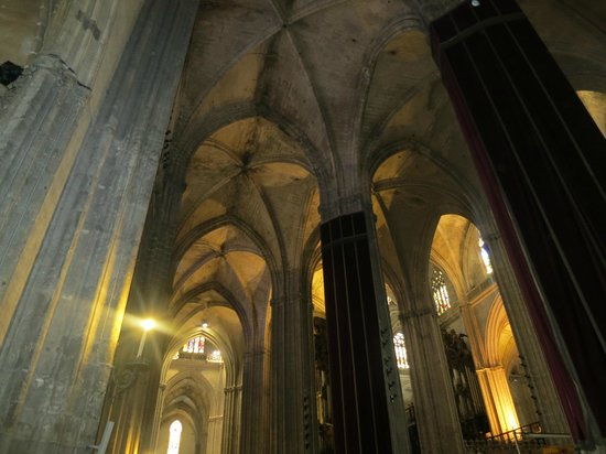 Interior picture of seville cathedral catedral de sevilla seville tripadvisor - Catedral de sevilla interior ...