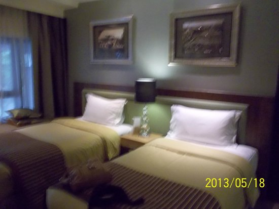 The Residence At Singapore Recreation Club: Room 302