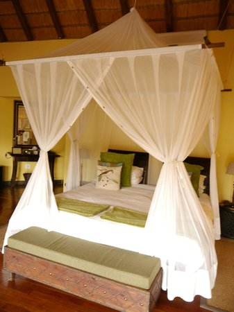 Tuningi Safari Lodge: Our Suite