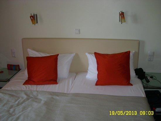 Hotel Central: Bett