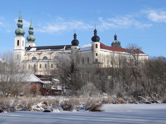 Attnang-Puchheim, Østerrike: Wallfahrtsbasilika Maria Puchheim