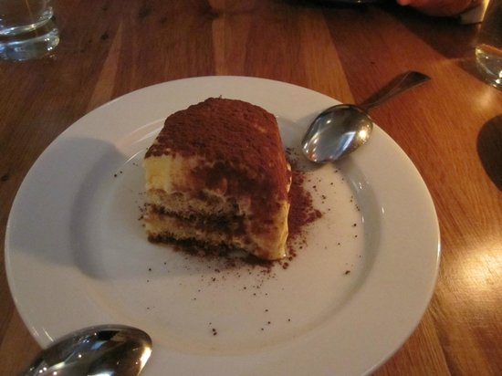Linguini: Best ever tiramisu!!! Yummie
