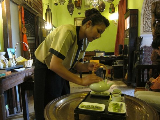 Angsana Spa Morocco: at the end of our treatment, cold tea and kiwi