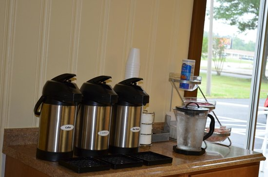 Knights Inn Glen Allen VA: COFFEE STATION 6AM-2:30PM