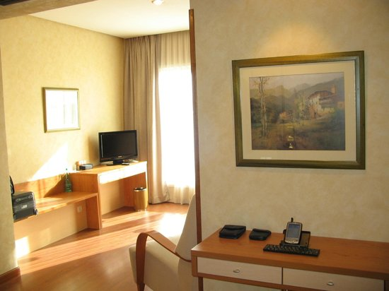 Hotel City House Florida Norte By Faranda: Fla Norte ~ room 853_b Entrance_b