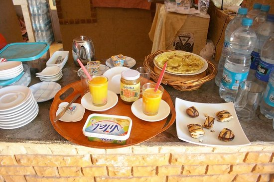 Dar Restaurant Bab Rimal : Breakfast of Kings
